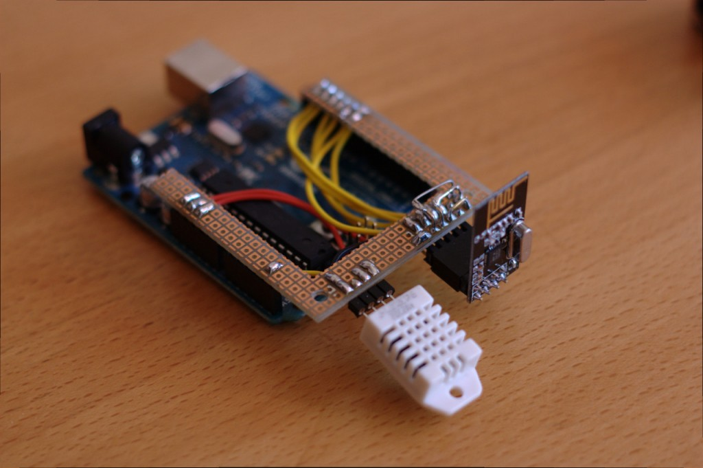 Arduino with nRF24L01 and DHT22